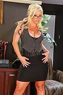 Смотреть трах в пизду зрелой блонды с большими сисечками и татуировками #1