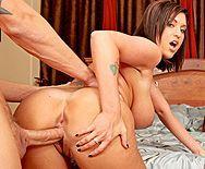Групповой секс с двумя грудастыми, татуированными дамами в спальне - 4
