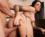 Порно босса с возбуждающей секретаршей с татуировками - 5