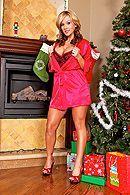 Вагинальный секс с зрелой темноволосой сучкой в Рождество #1