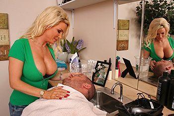 Смотреть трах в пизду со зрелой красивой блондинкой с большими сиськами