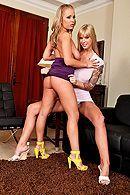 Групповой секс двух красивых блондиночек с их парнями #3