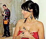 Смотреть классический секс с татуированной горячей брюнеткой - 1