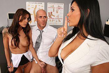 Смотреть групповой секс с горячими латинкамм с большими сиськами