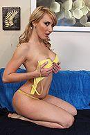 Смотреть красивый секс с очаровательной грудастой блондинкой на дому #3