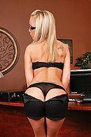 Трах в обе дырки красивой блондинки с большими сиськами #2