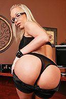 Трах в обе дырки красивой блондинки с большими сиськами #4