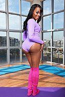 Смотреть межрасовый секс темнокожей красотки с большой задницей #1