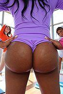 Смотреть межрасовый секс темнокожей красотки с большой задницей #5
