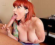 Пышная рыжая татуированная красотка занимается сексом с сыном подруги - 2