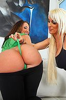 Изматывающий анал с опытной блондинкой в огромный зад #5