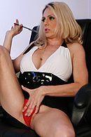 Смотреть красивый секс с привлекательной зрелой блондинкой #5