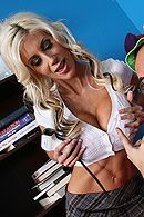 Смотреть порно зрелой грудастой студентки на большом члене #5
