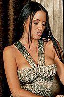Смотреть трах в пизду с взрослой брюнеткой с огромной задницей #5