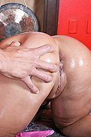 Анальный секс с пышнозадой татуированной брюнеткой и её самцом #5