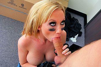 Смотреть анальный секс с сисястой блондинкой
