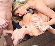 Групповой секс зрелых путан с большими сиськами - 2
