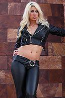 Смотреть порно с сексуальной блондинкой с большими сиськами #5