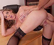 Классический секс с сексуальной блондой в черных чулках - 4