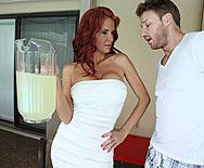 Вагинальный секс с сексуальной грудастой женщиной с рыжими волосами - 1