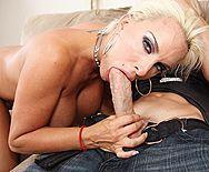 Анальный секс с привлекательной блондинкой в чулках - 2