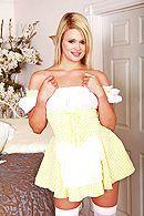 Смотреть порно красивой блондинки в белых чулках на большом члена #1