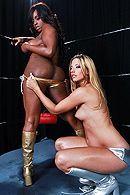 Межрассовый анальный секс в горячих красоток с судьей на риге #3
