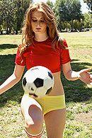 Сексуальная рыженькая давалка любит трахаться в пизду с накаченными спортсменами #5