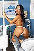 Красивый секс с сексуальной черноволосой азиаткой медсестрой в клинике #3