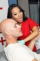 Красивый секс с сексуальной черноволосой азиаткой медсестрой в клинике #5