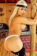 Смотреть порно с сисястой татуированной блондинкой #3
