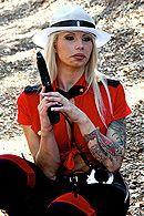 Смотреть порно с сисястой татуированной блондинкой #5