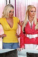 Две сексуальные подружки трахаются в пизду с другом #5