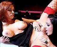 Смотреть жесткий групповой секс с красивыми стройными лесбиянками - 3