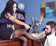Смотреть жаркое порно в офисе с элитной пышной проституткой - 1