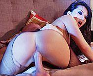 красивый и горячий секс с привлекательной азиаткой в чулках - 4