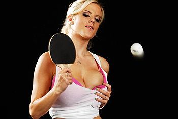 Смотреть жаркое порно татуированного парня с молодой блондинкой на теннисном столе