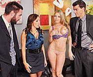 Безумный групповой секс с красотками в офисе - 1