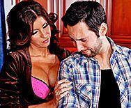 Безумный секс сексуальной мамашки с любовником на кухне - 1