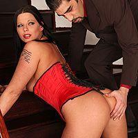 Смотреть сочный анал с пышной девушкой в эротическом корсете