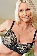 Красивый секс со стройной зрелой блондинкой #2