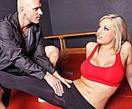 Смотреть порно тренера с пышной привлекательной блондинкой - 1