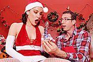 Анальный секс с красоткой в рождественской униформе - 1