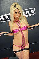 Групповое секс втроем со стройными блондинками в чулках #3
