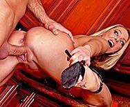 Порно молодого плотника со зрелой мамкой на кухне - 3