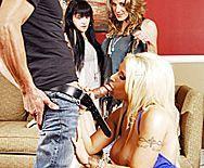 Смотреть жесткий домашний анал с блондинкой в чулках с большими сиськами - 2