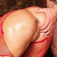 Страстный секс с эффектной стройной проституткой в чулках