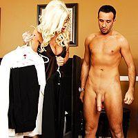 Безумный секс с ненасытной зрелой блондинкой во все щелки