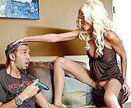 Безумный секс с ненасытной зрелой блондинкой во все щелки - 1