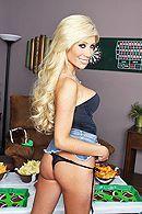 Смотреть страстный секс с блондинкой с упругими сиськами #3